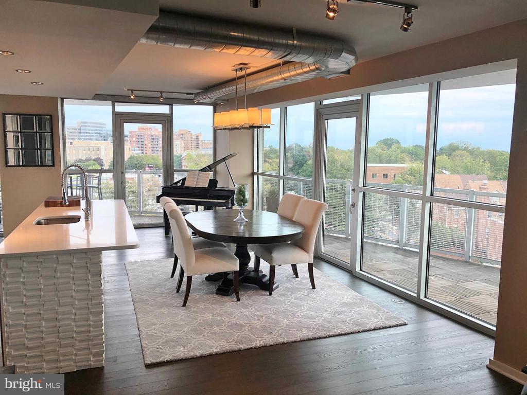 Dining Area w/ Floor to Ceiling Glass - 3409 WILSON BLVD #611, ARLINGTON