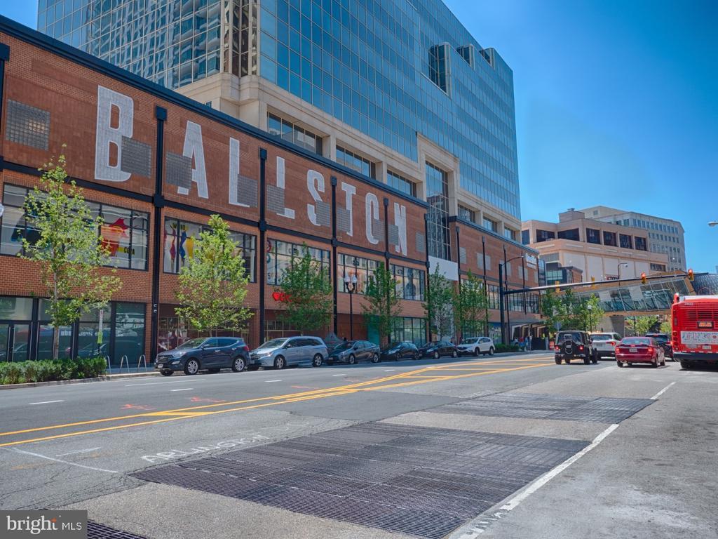 A few blocks from Ballston Quarter. - 880 N POLLARD ST #201, ARLINGTON