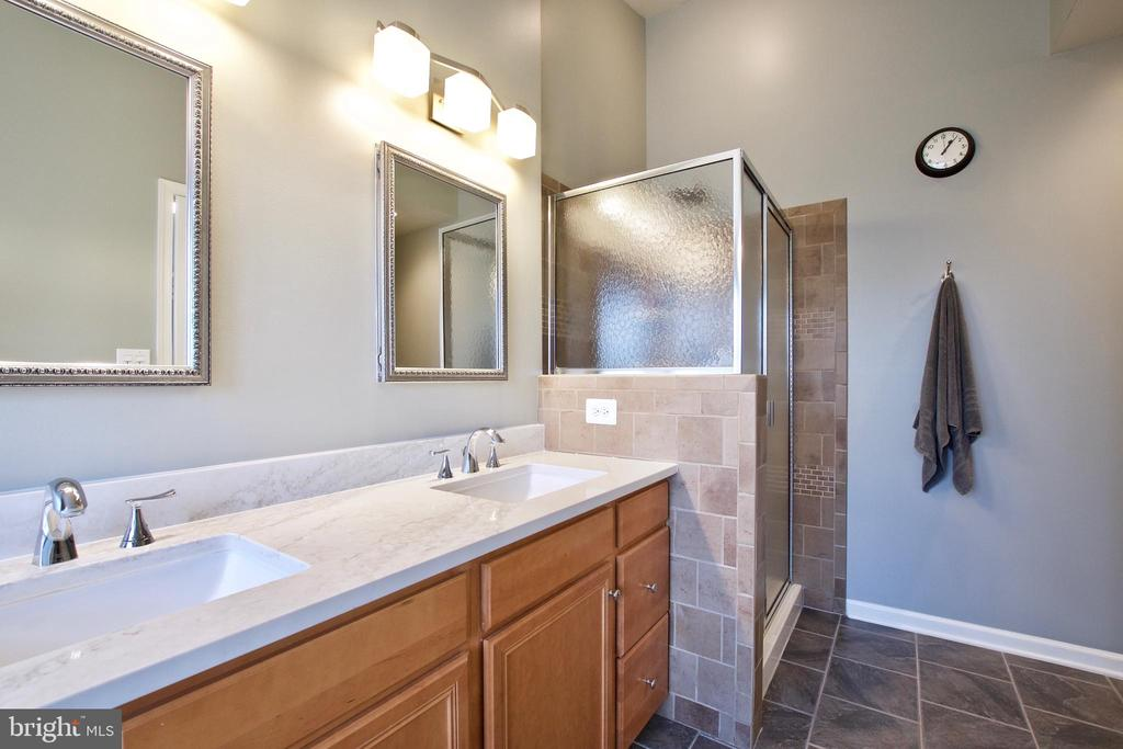 New counters & beautiful tile work in Primary Bath - 42630 HARRIS ST, CHANTILLY