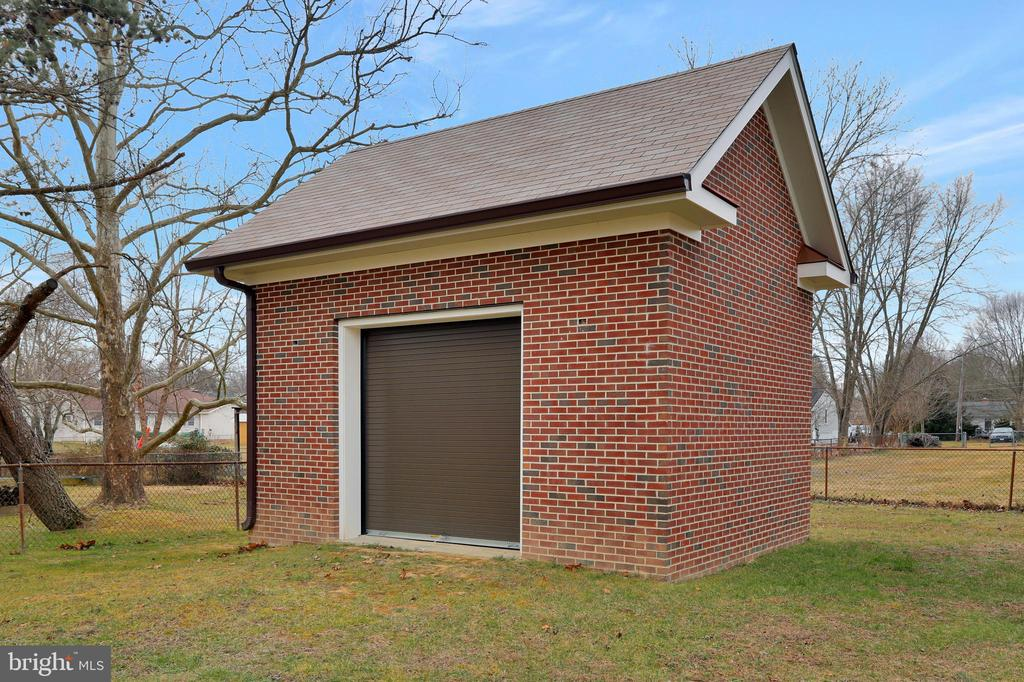 All Brick shed to park your riding mower - 20131 DAIRY LN, STERLING
