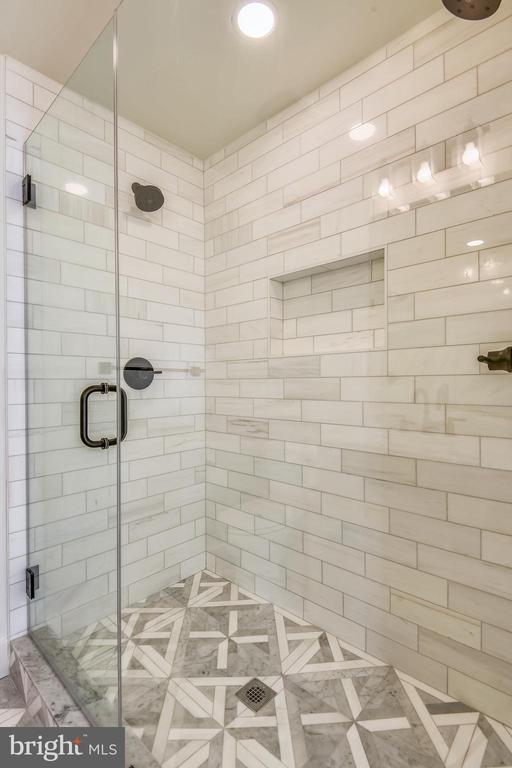 Marble Shower with Dual Showerheads - 309 N PATRICK ST, ALEXANDRIA