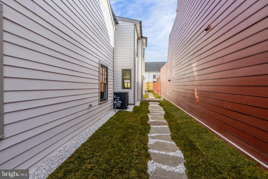 Walk Way from Front Gate Entry - 309 N PATRICK ST, ALEXANDRIA