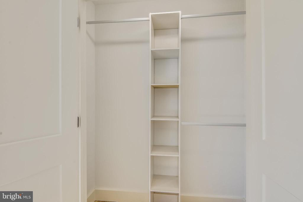 All Bedrooms have Closet Organizers - 309 N PATRICK ST, ALEXANDRIA