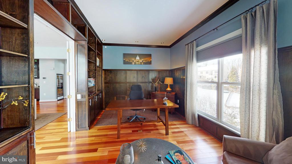 Main level office/den - 206 GREENHOW CT SE, LEESBURG