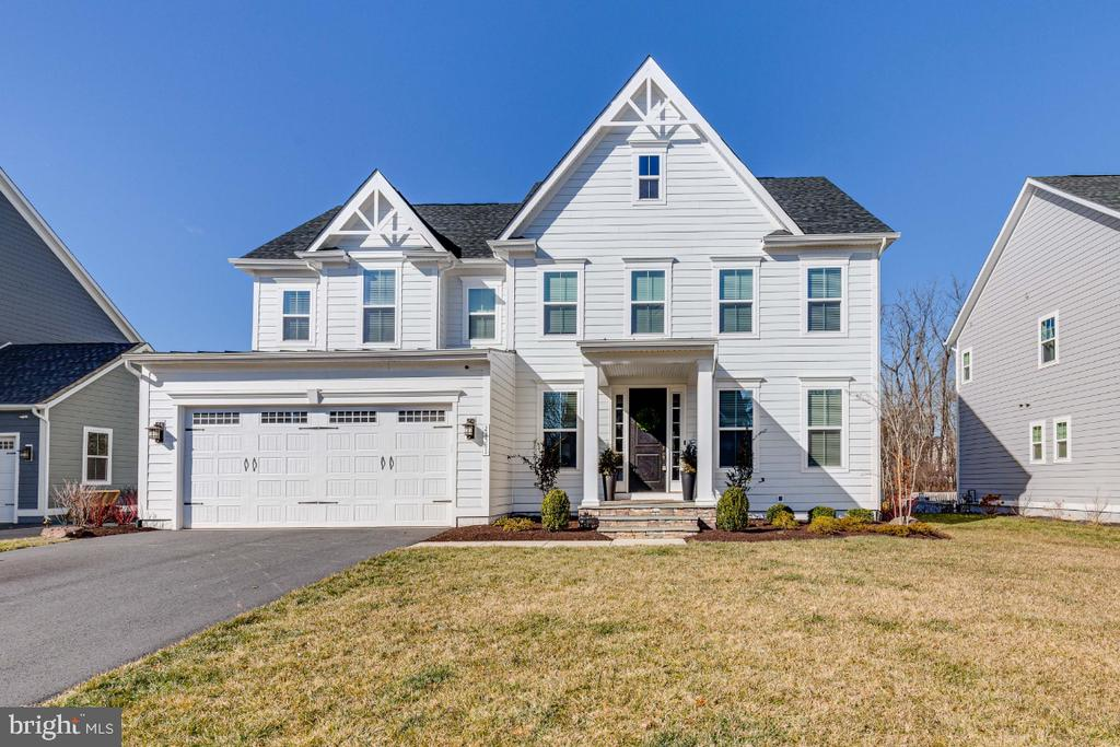 Beautiful NV Homes Longwood Model - 23581 AMESFIELD PL, ALDIE