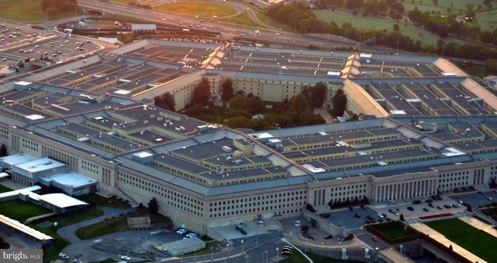 Minutes to the Pentagon - 1411 KEY BLVD #211, ARLINGTON