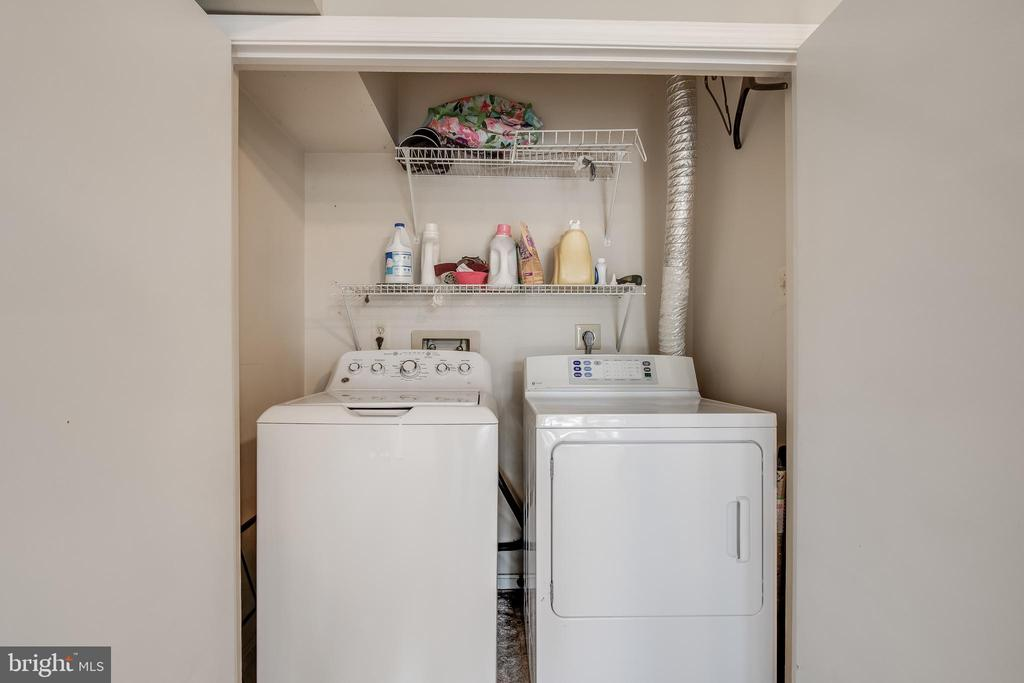 Full-Sized Laundry - 13536 RUDDY DUCK RD, CLIFTON