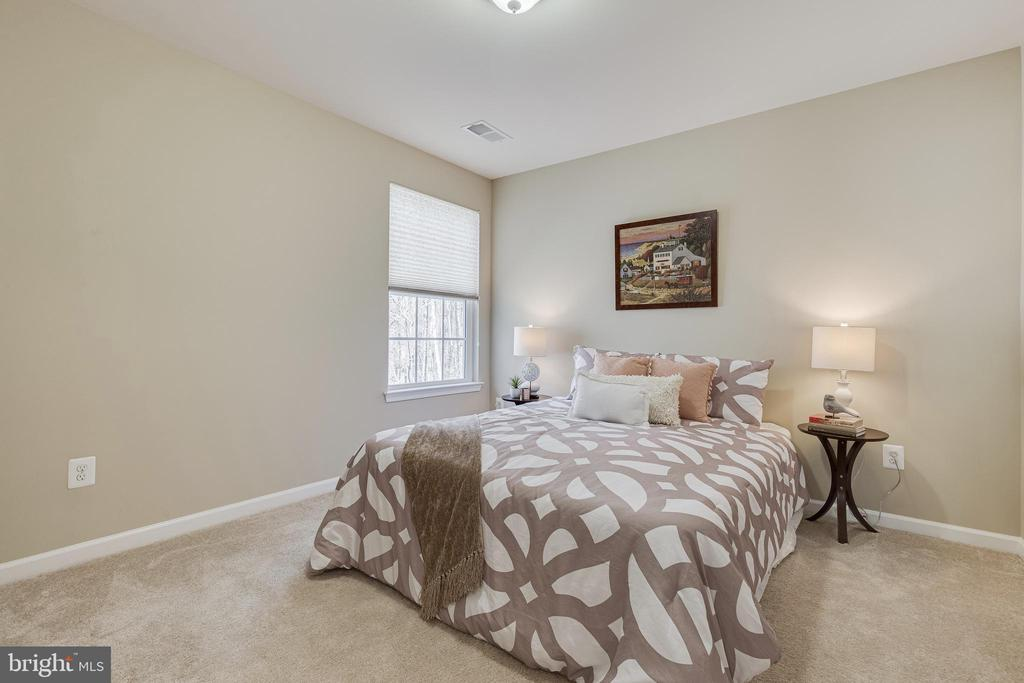 5th Bedroom - 8353 LONGFIELDS LN, ALEXANDRIA