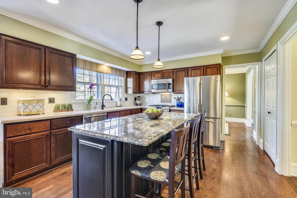 Kitchen with SS Appliances &custom backsplash - 11588 LAKE NEWPORT RD, RESTON
