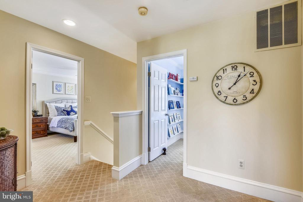 Upper Level Hallway - 11588 LAKE NEWPORT RD, RESTON