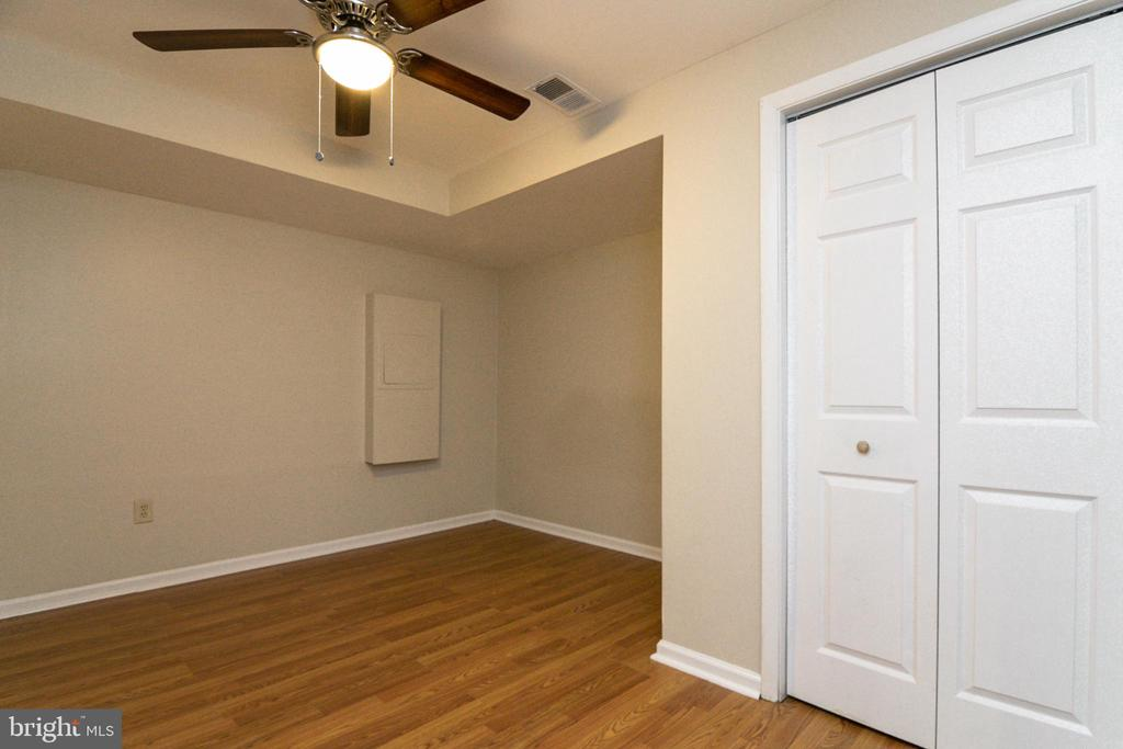 Lots of options for this lower level room - 304 PRELUDE DR, SILVER SPRING