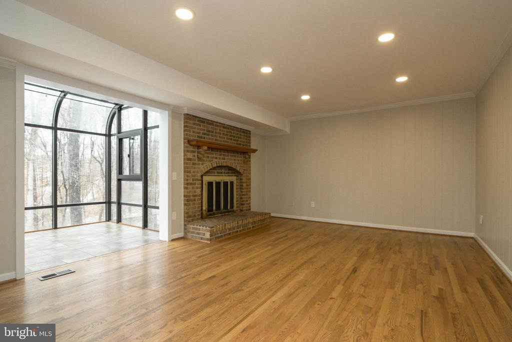 Fireplace in family room - 304 PRELUDE DR, SILVER SPRING