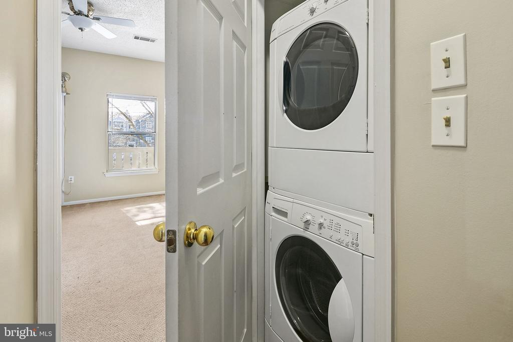 In Unit Laundry - 14305 CLIMBING ROSE WAY #205, CENTREVILLE