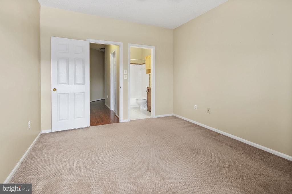 Bedroom #2 - 14305 CLIMBING ROSE WAY #205, CENTREVILLE