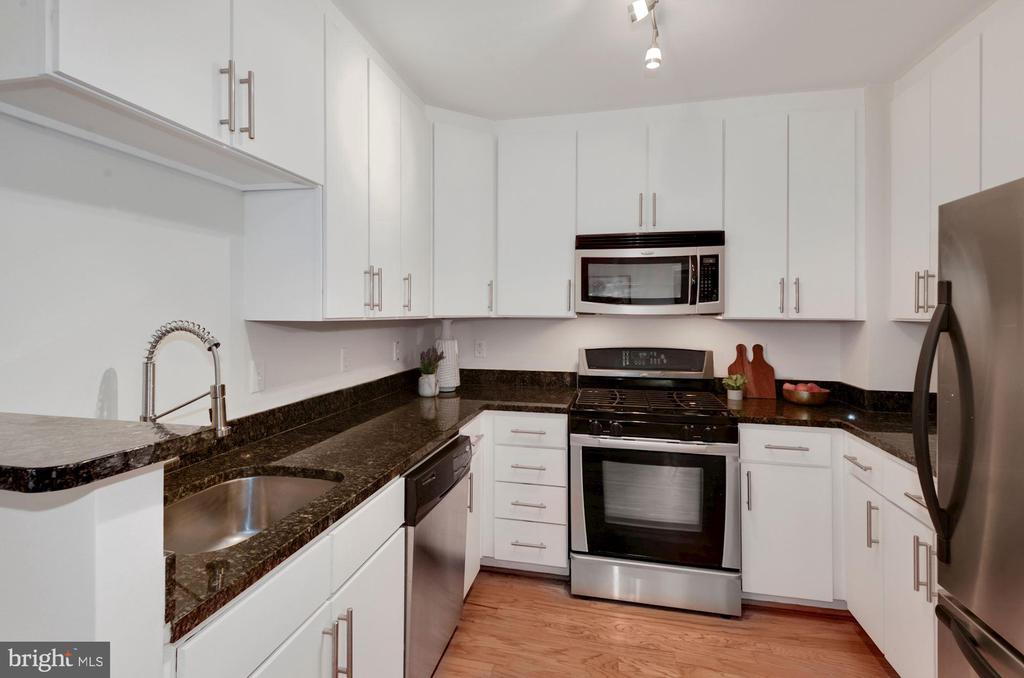 Stainless appliances - 915 E ST NW #403, WASHINGTON