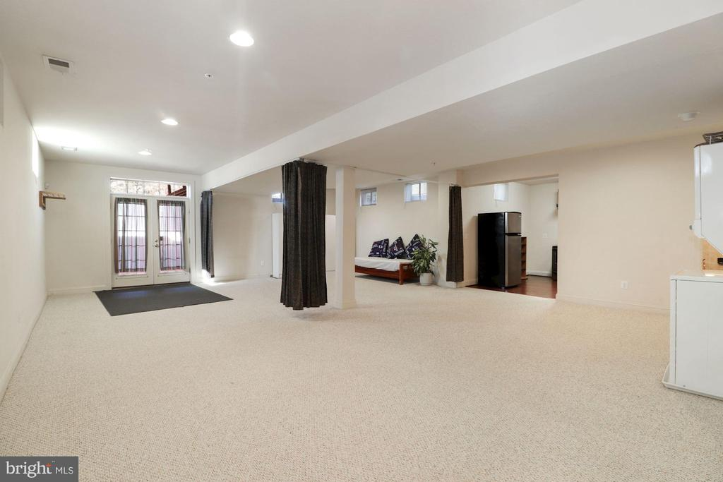 Separate Basement Apartment - 2509 BRIGGS CHANEY RD, SILVER SPRING