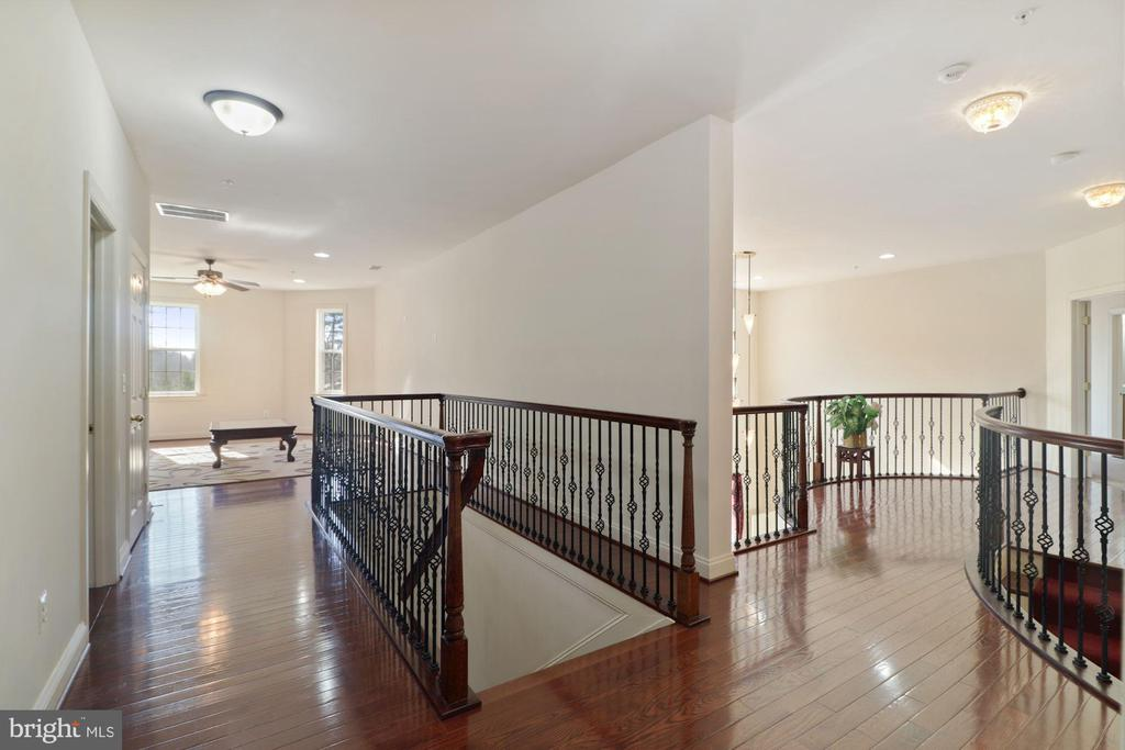 Upper LVL 2nd Staircase and hall - 2509 BRIGGS CHANEY RD, SILVER SPRING