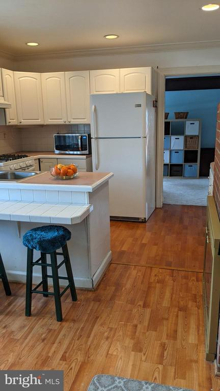 Kitchen leads to 3rd bedroom - 5609 OTTAWA RD, CENTREVILLE