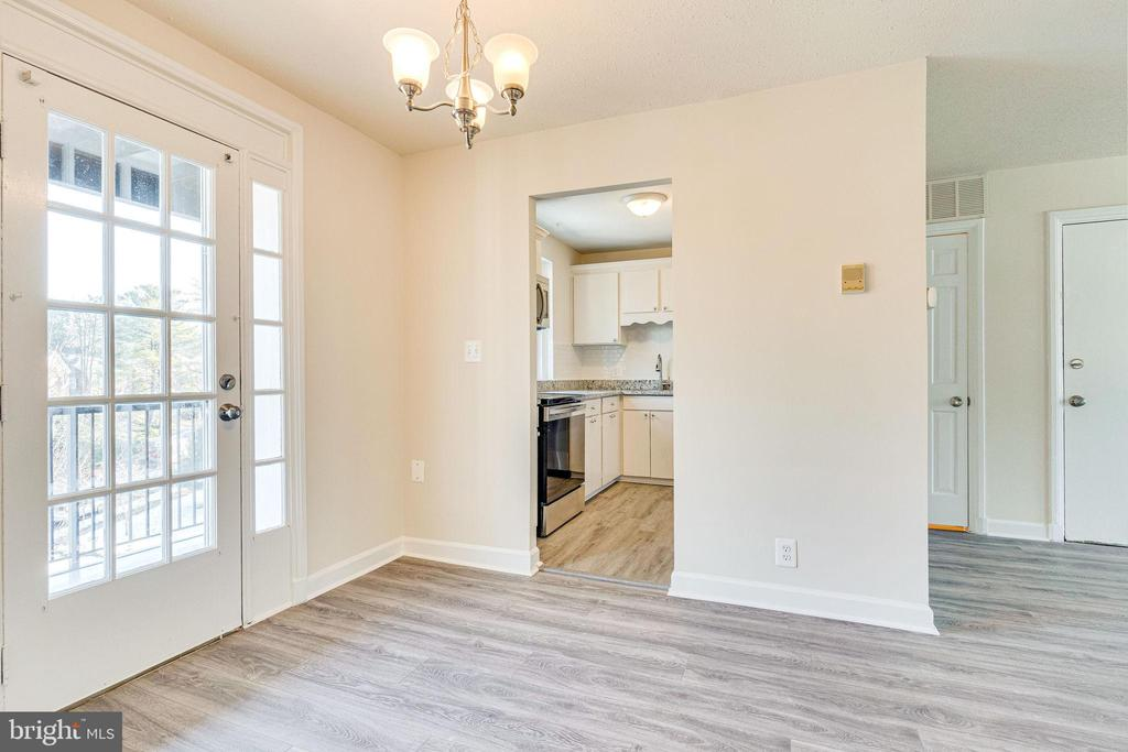 Dining room off kitchen - 2943 S DINWIDDIE ST #A1, ARLINGTON