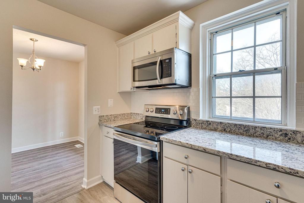 Granite counters - 2943 S DINWIDDIE ST #A1, ARLINGTON