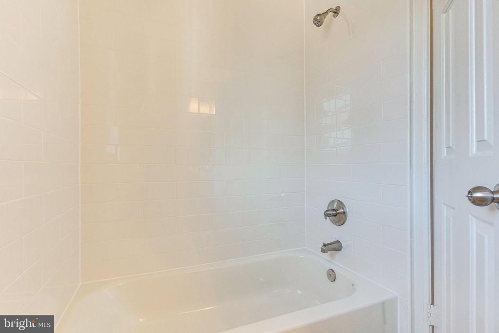 Primary bath - 2943 S DINWIDDIE ST #A1, ARLINGTON