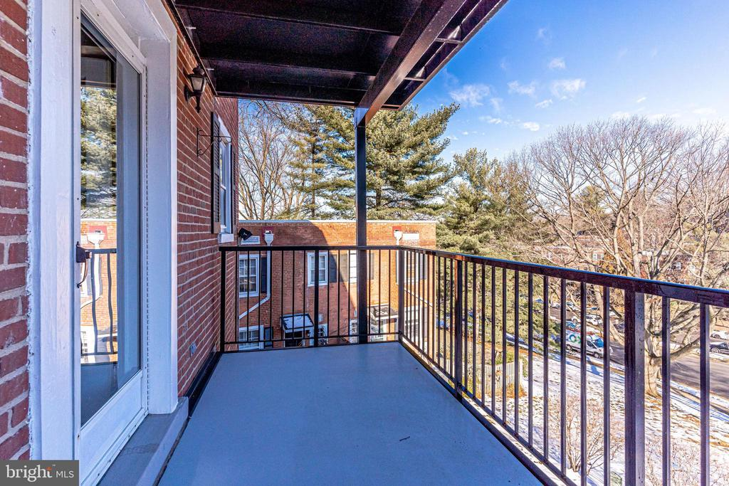 Balcony off kitchen - 2943 S DINWIDDIE ST #A1, ARLINGTON