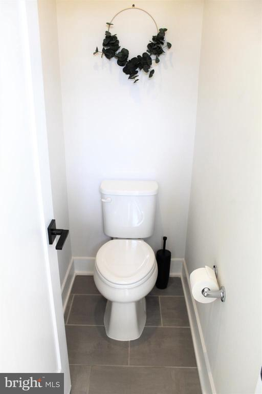 Water Closet - 42502 MILDRED LANDING SQ, ASHBURN