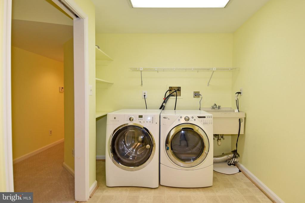 Laundry Room - 5203 GLEN MEADOW RD, CENTREVILLE