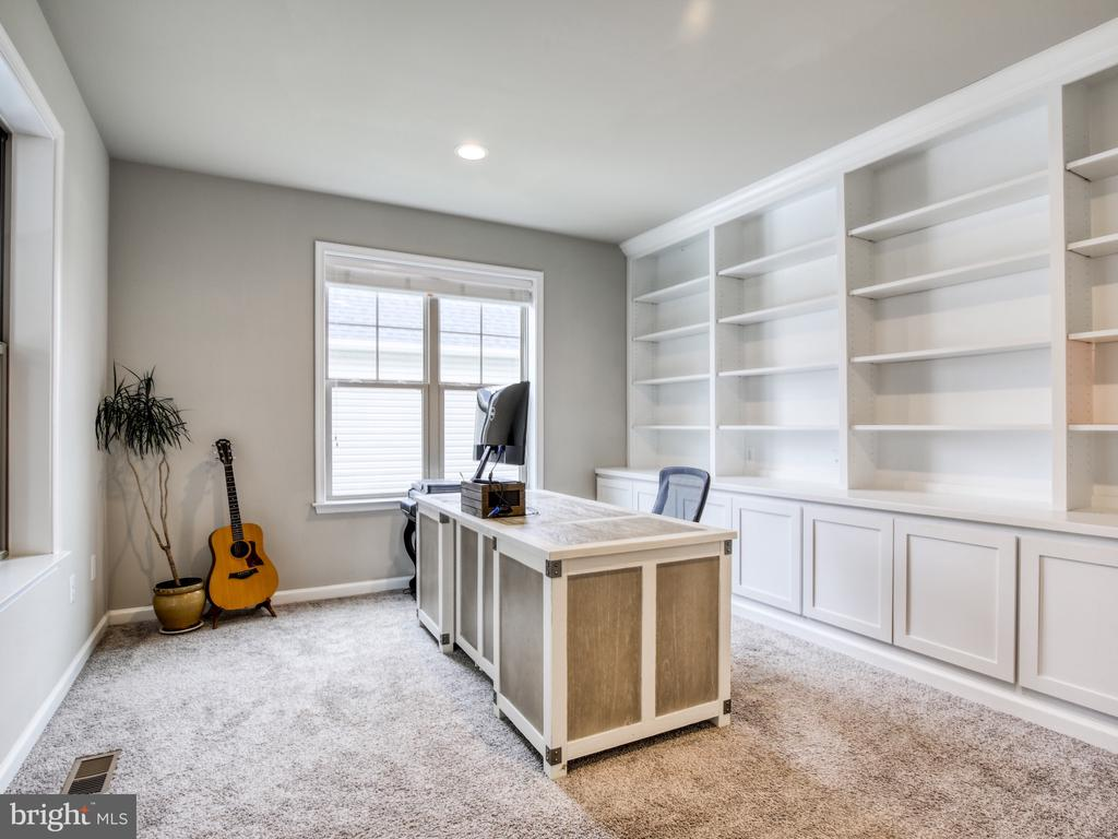 Office #2 on Main Level - 17260 CREEKSIDE GREEN PL, ROUND HILL