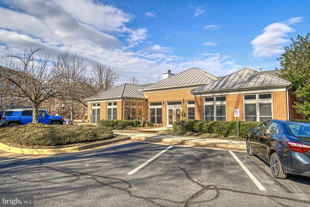 Lake Shore Crest Clubhouse has exercise room - 1712 LAKE SHORE CREST DR #33, RESTON