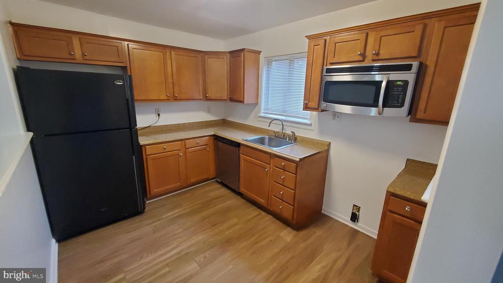 Large kitchen - 8634 MADERA CT, MANASSAS PARK