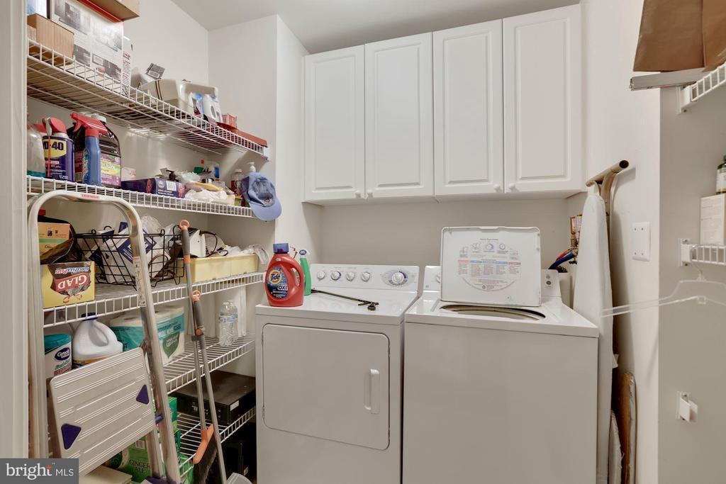 Laundry Room - 19360 MAGNOLIA GROVE SQ #305, LEESBURG