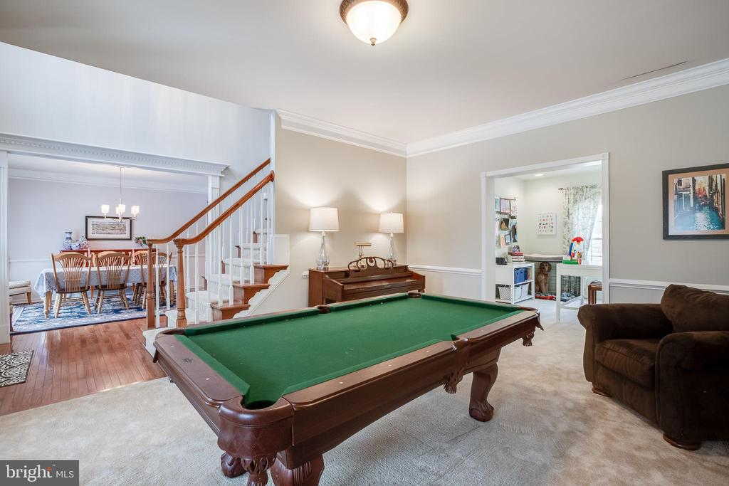 Game Room - 903 CRESTVIEW TER, WINCHESTER