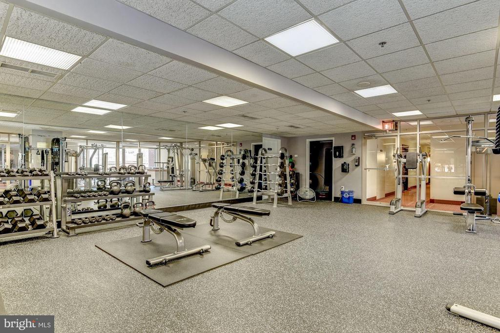 Renovated Fitness Center w/His & Her Saunas - 1276 N WAYNE ST #1018, ARLINGTON