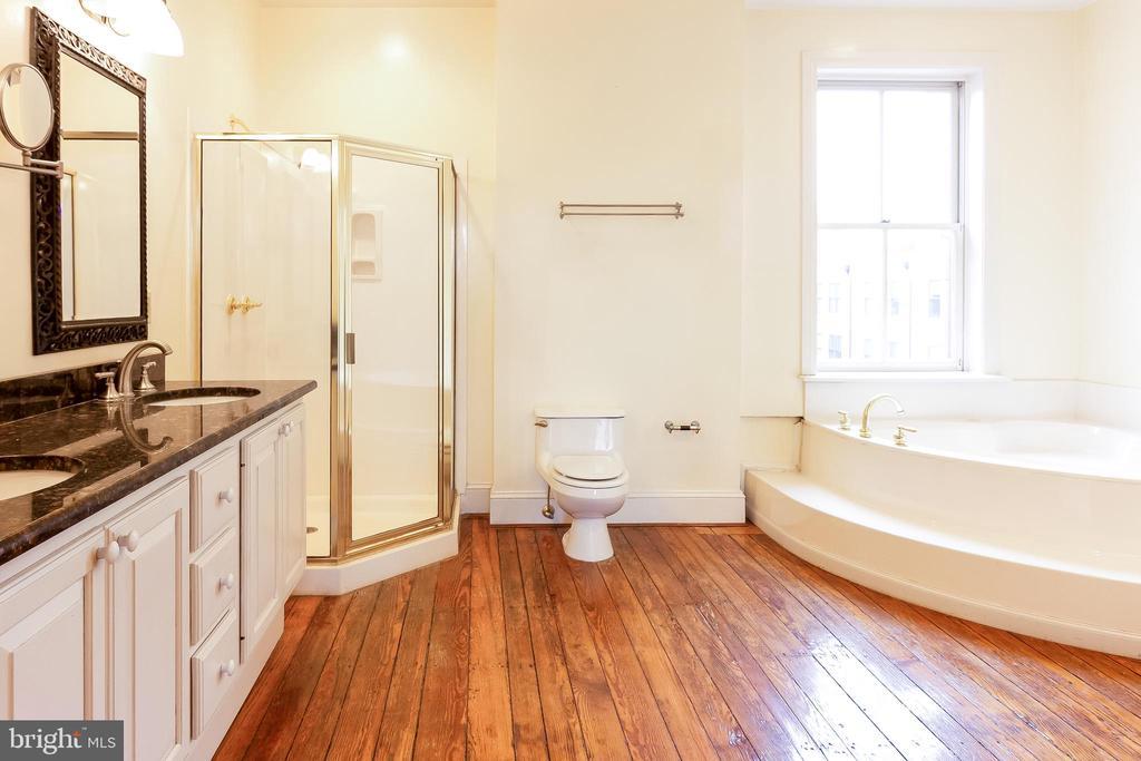 Master Bedroom 3rd floor - 506 E CAPITOL ST NE, WASHINGTON