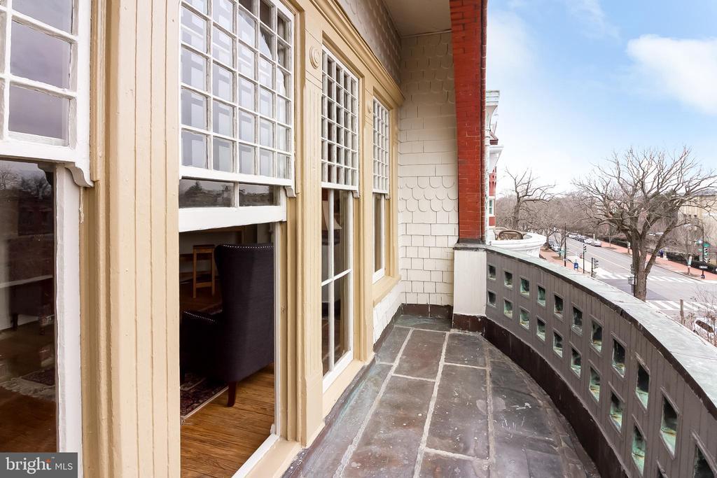 Master balcony - 506 E CAPITOL ST NE, WASHINGTON
