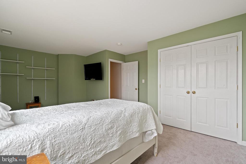 Bedroom #4 (Upper Level) - 18279 MAPLE SPRING CT, LEESBURG