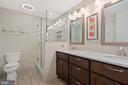 Renovated Owners Bathroom / Double Vanity - 18279 MAPLE SPRING CT, LEESBURG