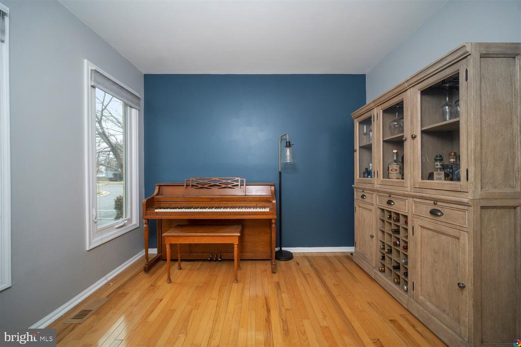 Family room - 1069 NICKLAUS CT, HERNDON