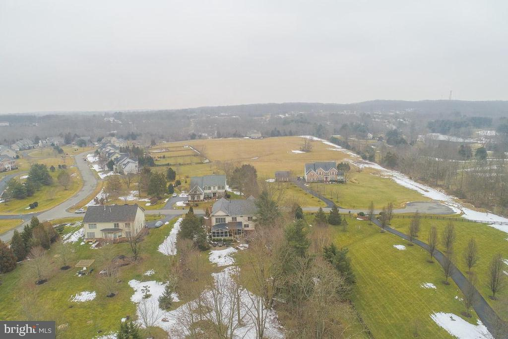 Aerial view of property - 20277 DAWSON MILL PL, LEESBURG