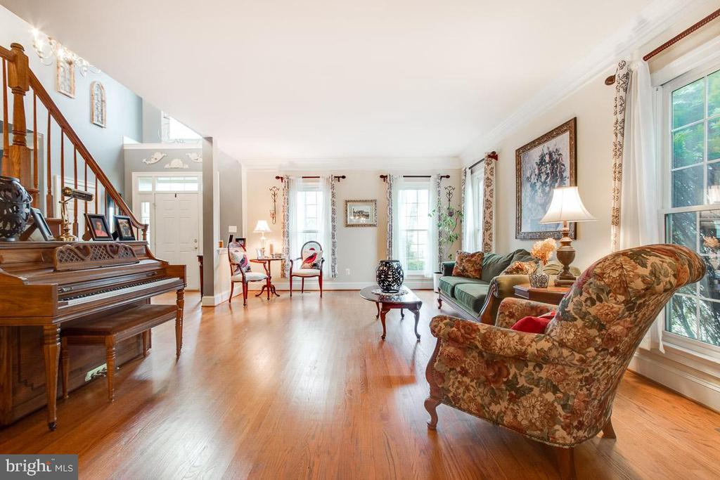 Gorgeous living and dining rooms! - 20277 DAWSON MILL PL, LEESBURG