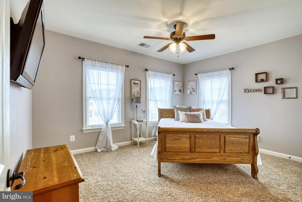 Bedroom 3 - 24955 EARLSFORD DRIVE, CHANTILLY