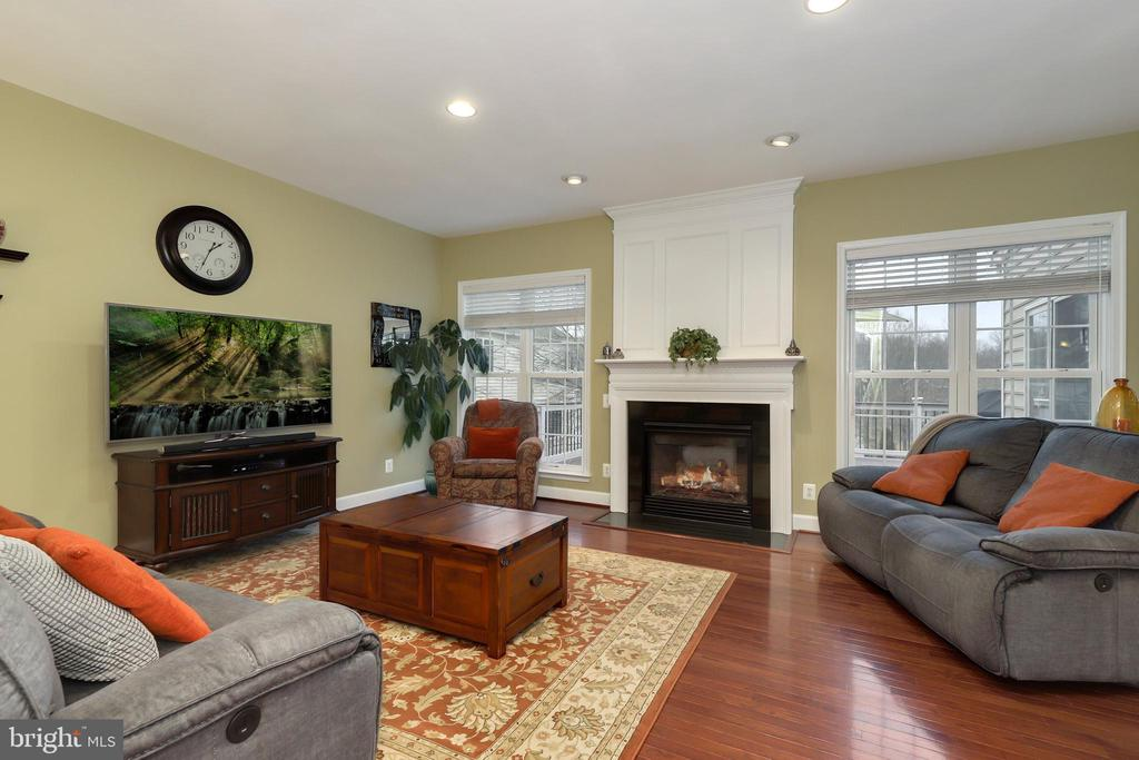 - 10805 VALLEY FALLS CT, MANASSAS