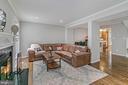 Spacious living room - 2913-B S WOODSTOCK ST #2, ARLINGTON