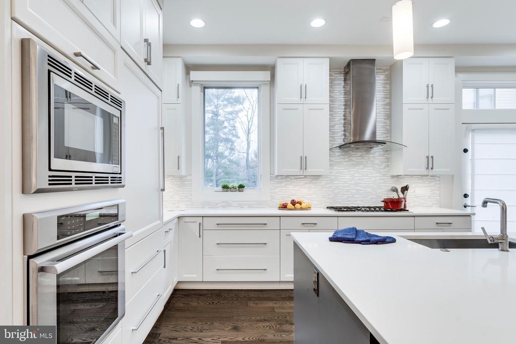 Chef's Kitchen - Thermador & Subzero Appliances - 171 WINSOME CIR, BETHESDA