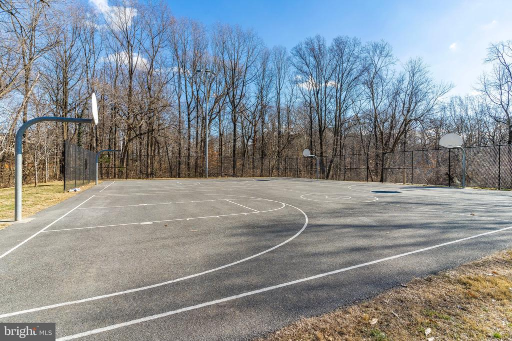 Nearby Playground - 171 WINSOME CIR, BETHESDA