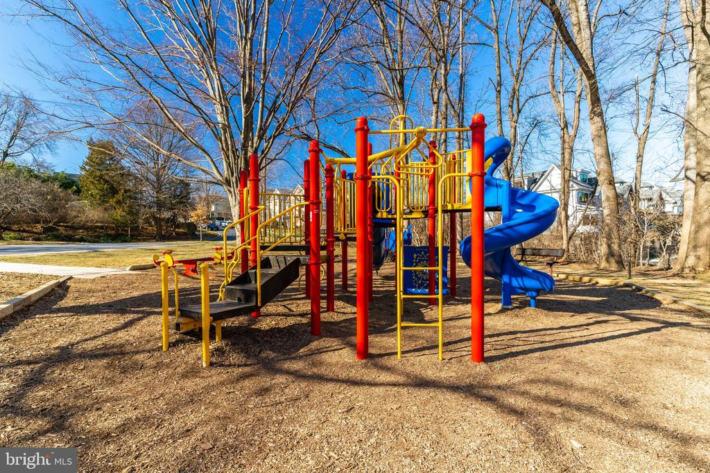 Playground just a few minutes from the House - 171 WINSOME CIR, BETHESDA