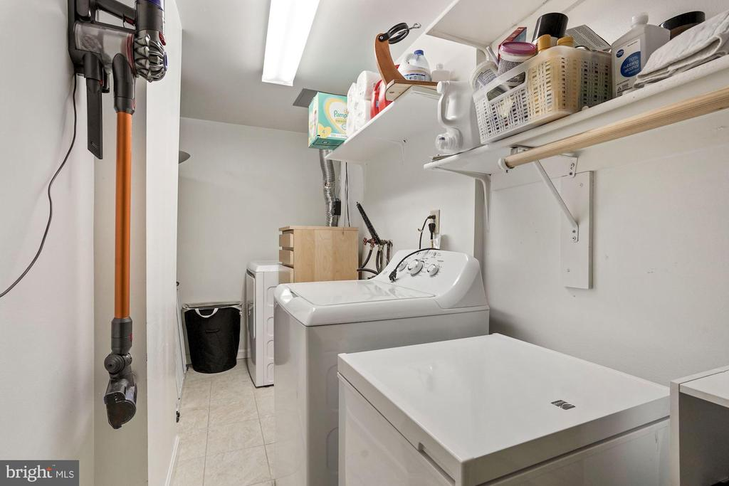 Utility/laundry room on the lower level - 2810 S MEADE ST, ARLINGTON