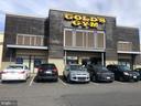 Next door to Gold's Gym - 2810 S MEADE ST, ARLINGTON