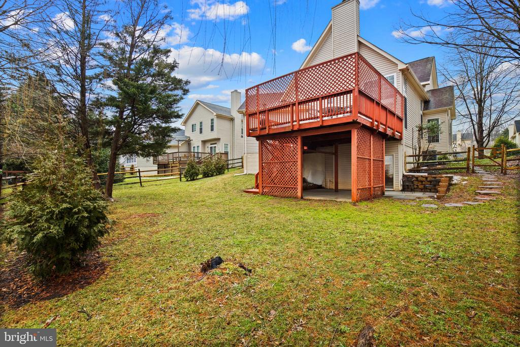 Rear of home - 20757 PARKSIDE CIR, STERLING